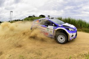 mark-cronje-robin-houghton-ford-performance-tour-natal-d2-2-Medium