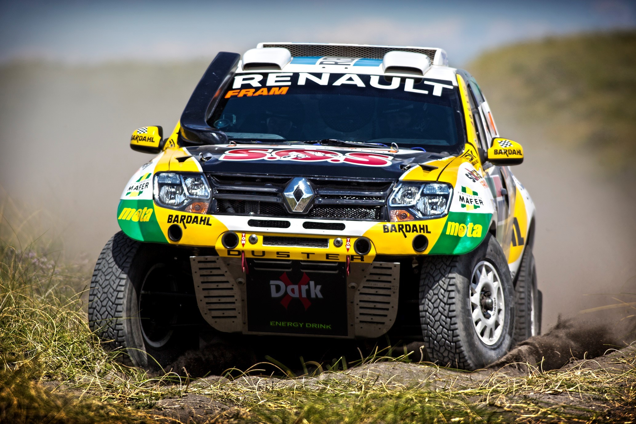 renault-aims-for-top-10-finish-in-dakar-2016-photo-gallery_11