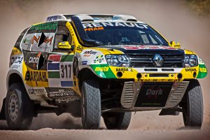 renault-aims-for-top-10-finish-in-dakar-2016-photo-gallery_12